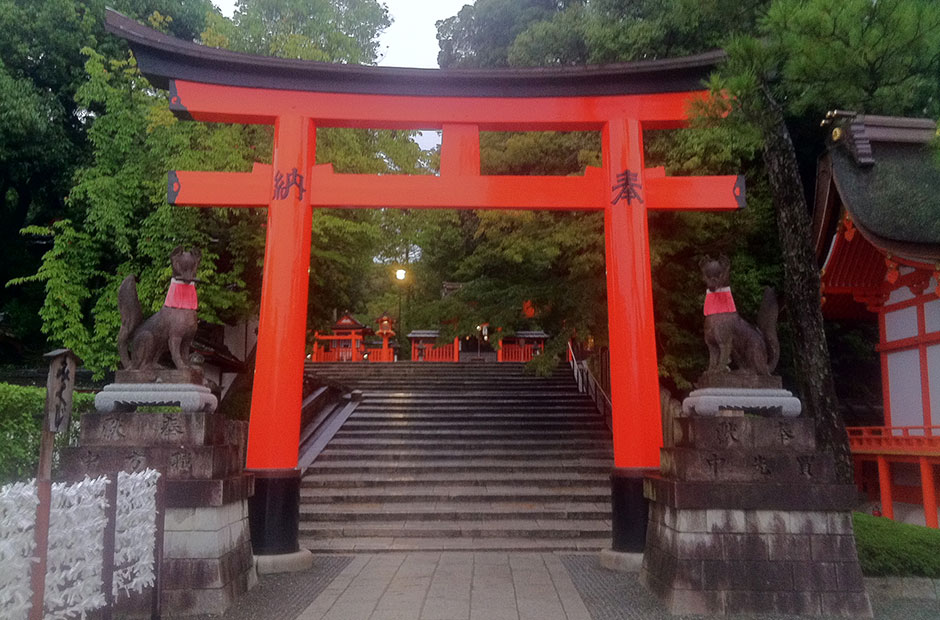 Torii gates with Fox Statues